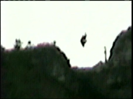 """Flying humanoid"" taped on the Mexican skies"
